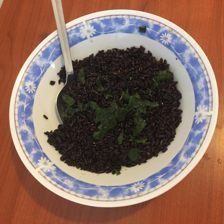 Rolle' di melanzane con riso venere