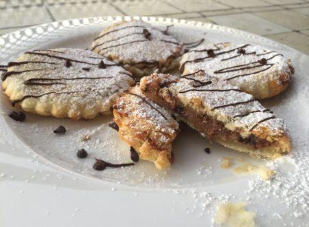Saccottini con ricotta, pere e gocce di cioccolato