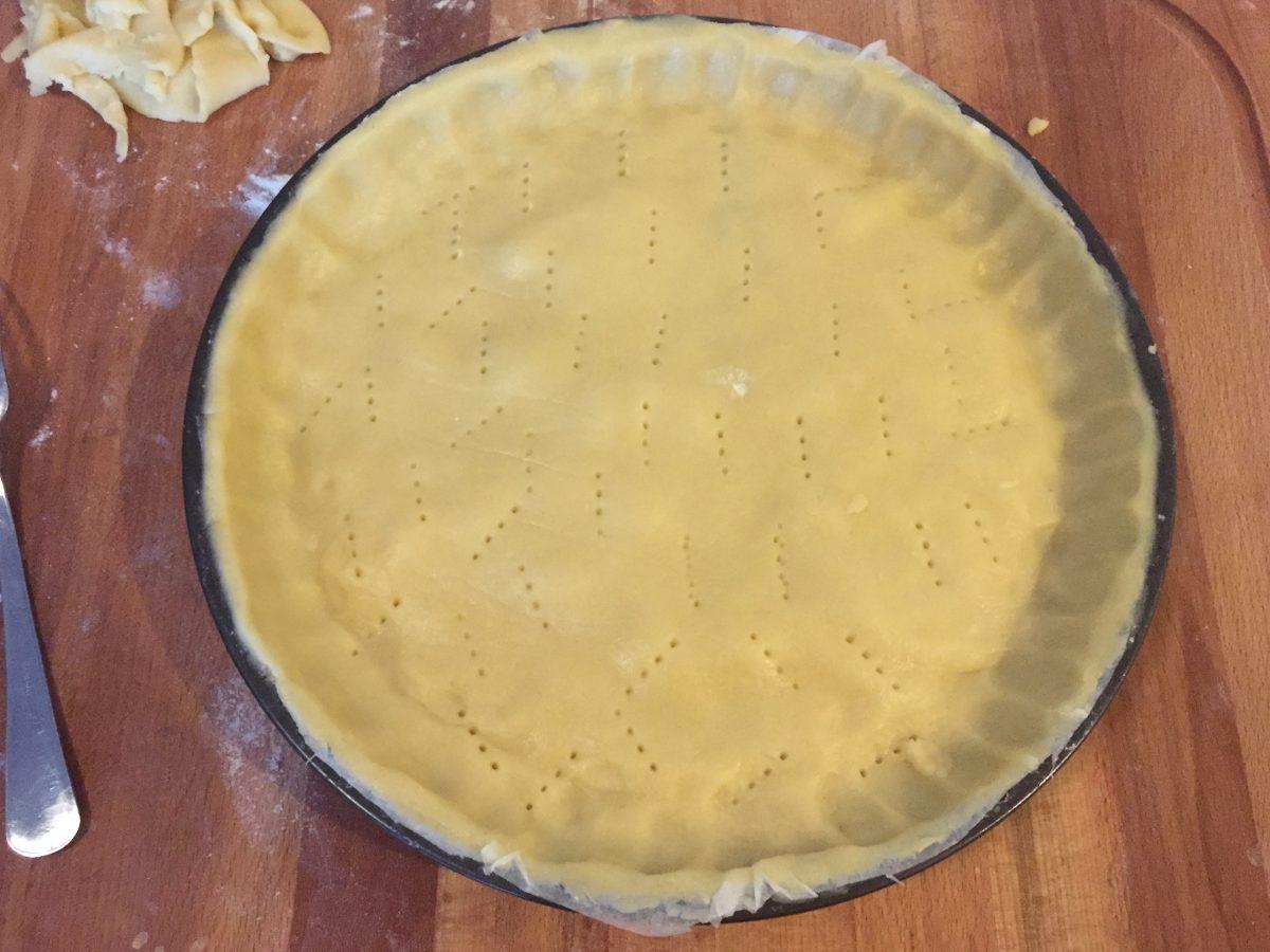 crostata con marmellata di uva e pere