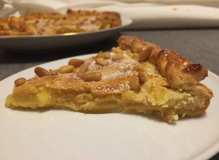 Crostata della nonna con crema pasticcera e mele