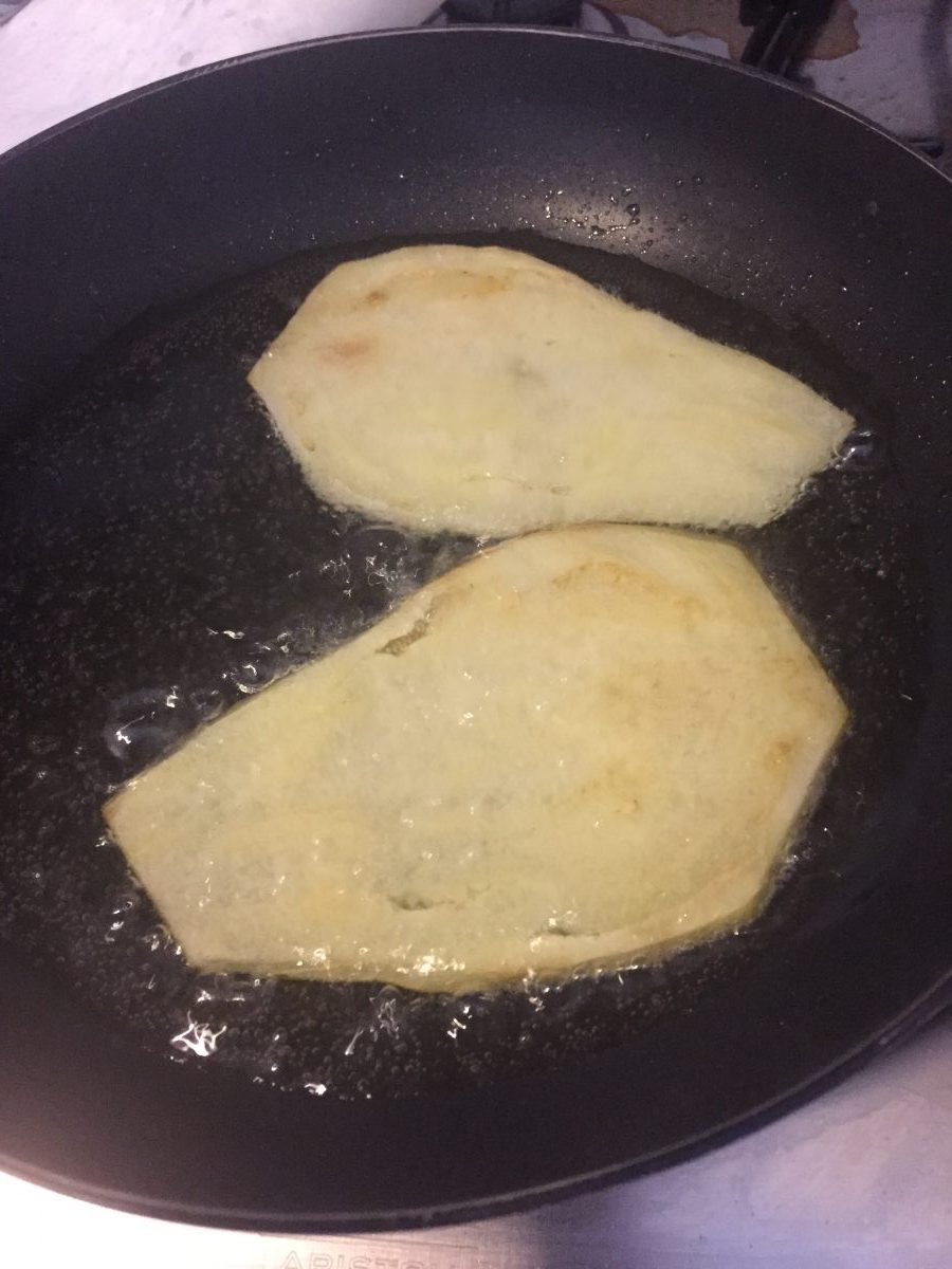 involtini di melanzana al forno con mozzarella di bufala e acciughe