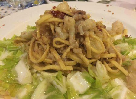 Tagliolini con il cavolfiore, aglio olio peperoncino e acciughe