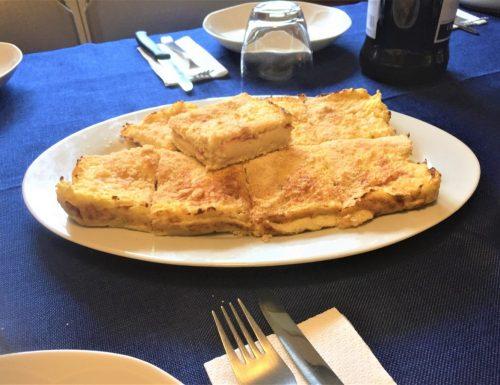 Gateau di cavolfiore con speck e formaggio