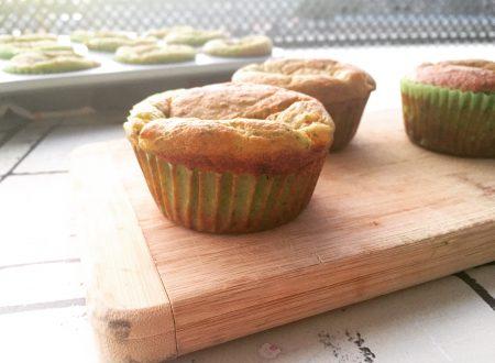 Muffin salati zucchine parmigiano e pomodoro senza latte