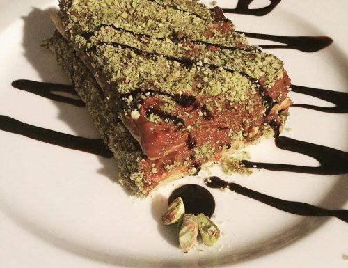 Millefoglie con crema pasticcera al cioccolato e pistacchi
