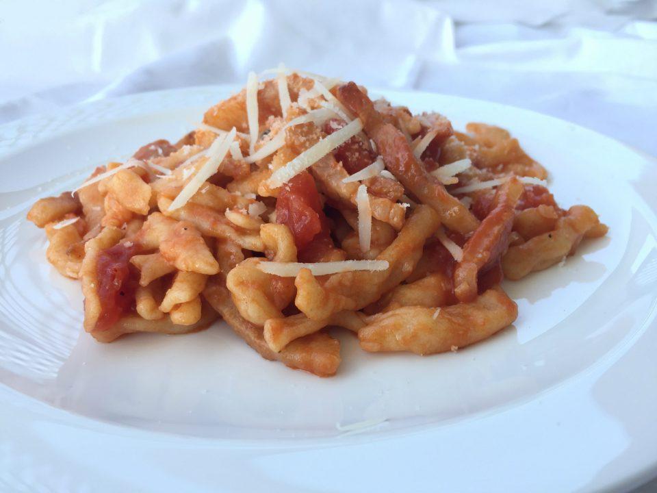 amatriciana spaghetti bucatini ricetta