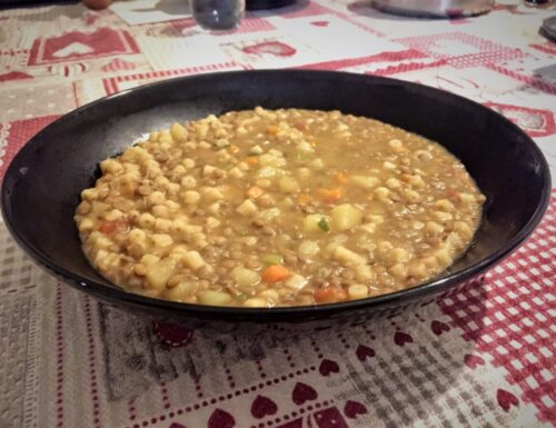 Pasta patate e lenticchie cremosa