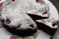 Torta brownie cioccolato bianco e fragole