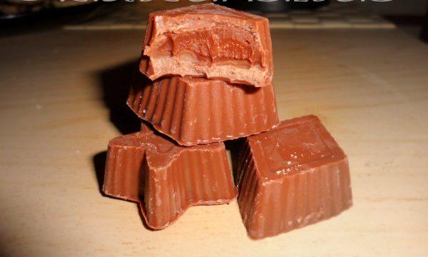 Cioccolatini ripieni di ganache al pepe rosa e crema al whisky