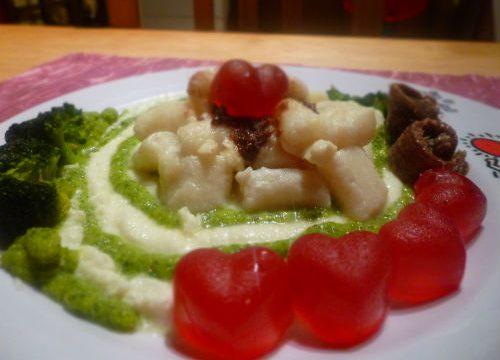 Gnocchi di ricotta con mozzarella di bufala, broccoli e acciughe