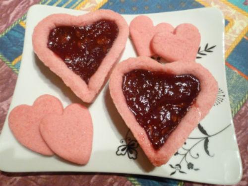 Crostatina rosa con marmellata di fragole 1