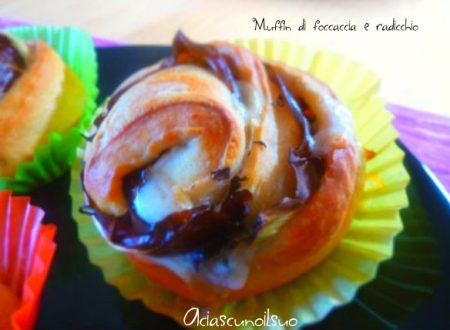 Muffin di focaccia al radicchio