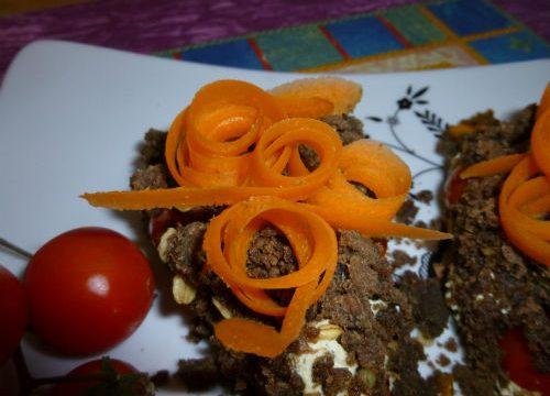 Crumble di segale con crema di carote e tofu alle erbe