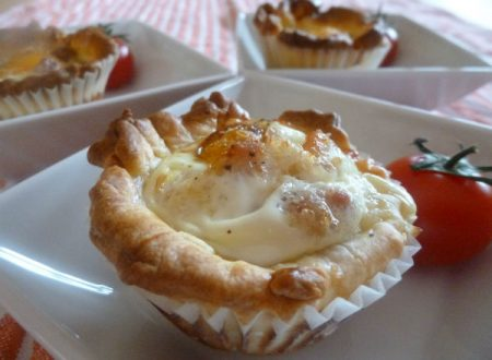 Eggs and bacon Italian cupcakes