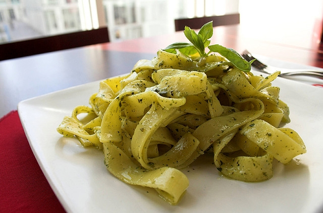 pesto piatto