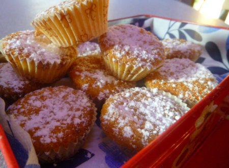 Mini muffin alle carote e mandorle, ricetta senza burro e farina