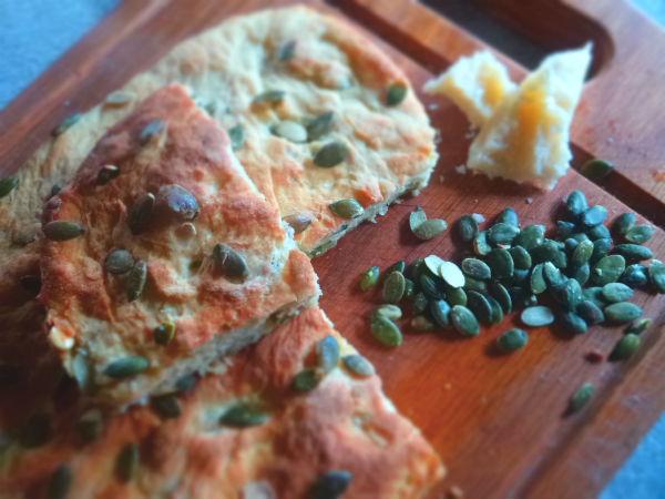 Focaccia eco ai semi di zucca e Parmigiano