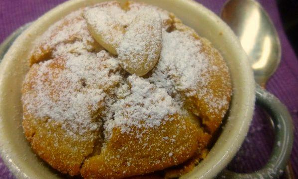 Souffle finto con pere, cioccolato e mascarpone