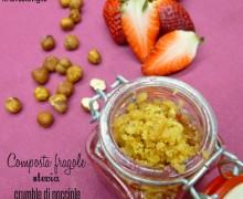 Composta di fragole e stevia, crumble di nocciole, cottura in lavastoviglie