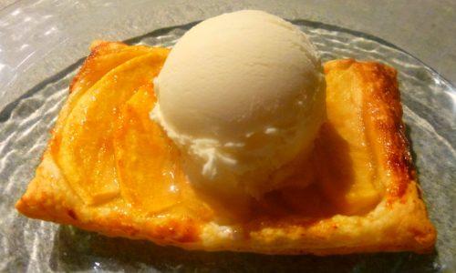 Sfogliatina veg con mele e gelato, in 10 minuti