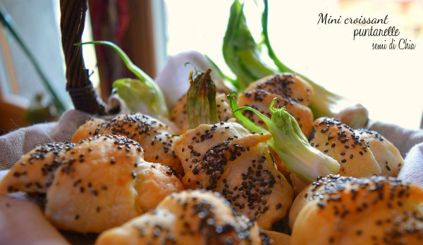 Croissant salati con puntarelle e semi di chia