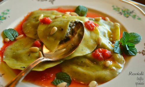 Ravioli tofu e spinaci