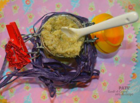 Paté di gambi di carciofi, pinoli e semi di canapa