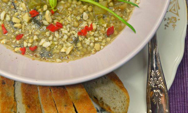 Risotto di grano saraceno, puntarelle, canapa e anacardi