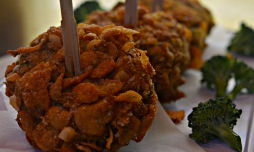 Nuggets veg di gambi di broccoli e corn flakes