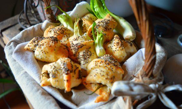 Cornetti con puntarelle, pecorino e semi di papavero