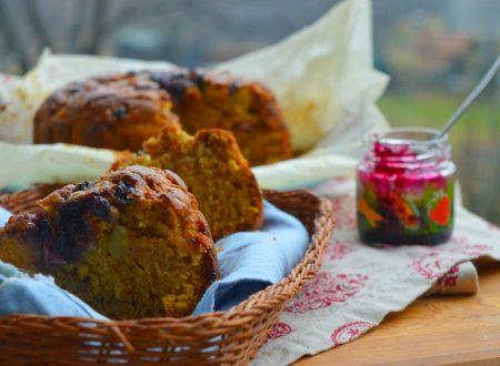 Torta di mele S.Anna con spremuta d'arancia e mirtilli sciroppati