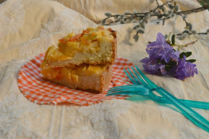 Torta di mele e crema pasticcera leggera   Ricetta senza uova e senza burro