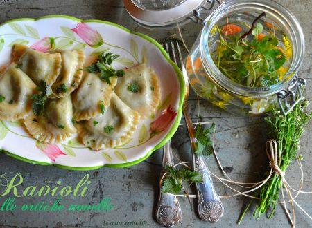 Ravioli alle ortiche novelle | Ricetta pasta fresca senza uova