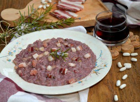 Risotto al vino rosso, pancetta e fagioli | Ricetta di famiglia