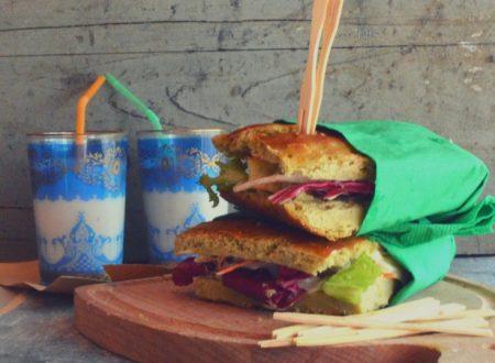 Sandwich di piselli con maionese di mandorle