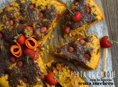 Torta di carote senza zucchero, fragole e cioccolato extra fondente