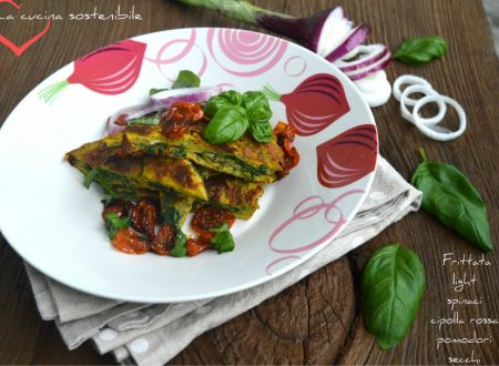 Frittata light con spinaci, cipolla rossa e pomodori secchi
