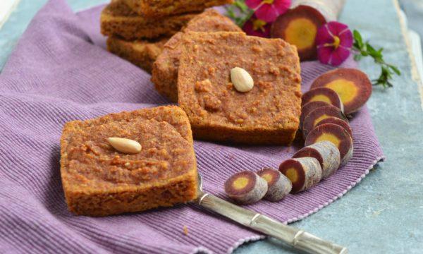 Similcamille da frullatore con carote viola e mandorle | Ricetta rivisitata di Silvia Zeno