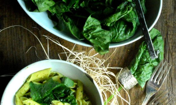 """Pesto """"finto"""" di spinaci americani   Ricetta pesto di spinaci"""