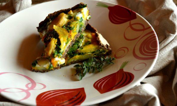 Torta salata di grano saraceno con topinambur, patate e spinaci invernali | Ricetta torta salata senza glutine