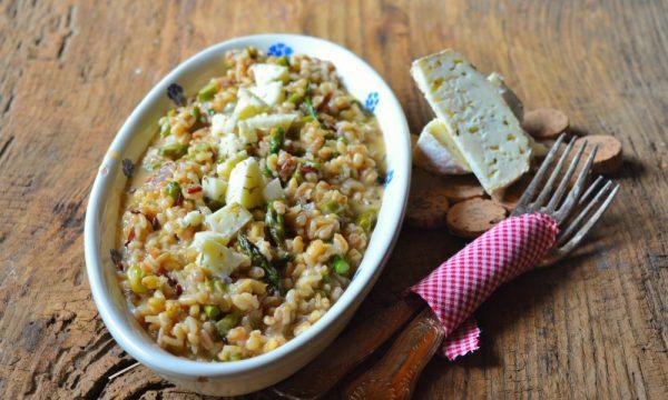5 cereali risottati con asparagi e formaggella al timo