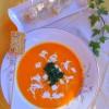 Vellutata di carote e zucca con tofu al sesamo