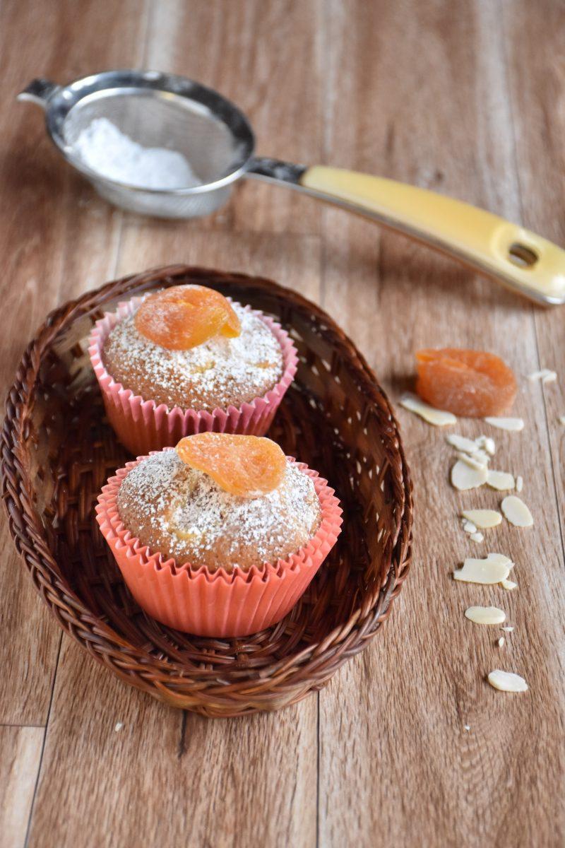 muffin integrali con albicocche secche verticale