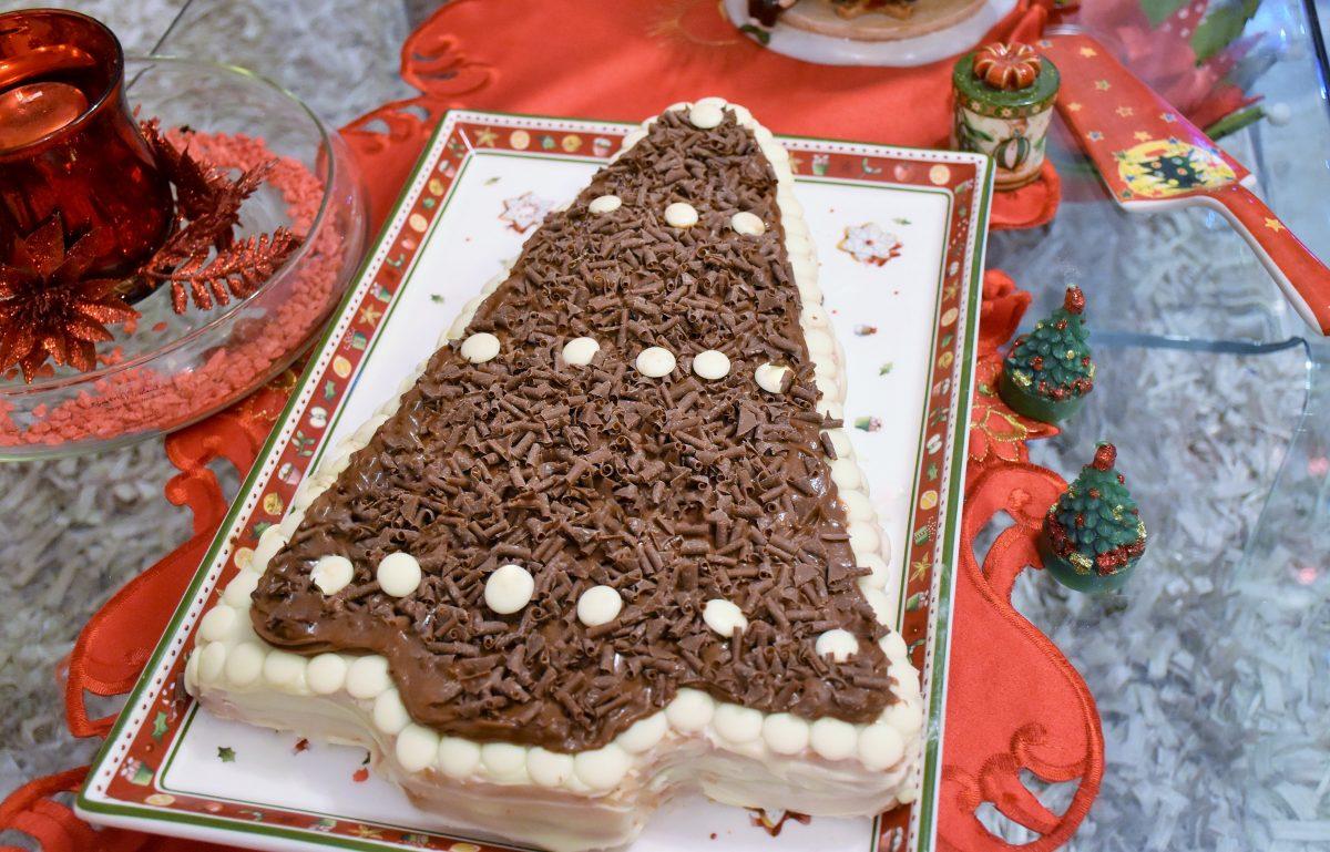 Albero Di Natale Con Dolci.Albero Di Natale Con Cioccolato Bianco Nutella E Mascarpone Adatta La Ricetta