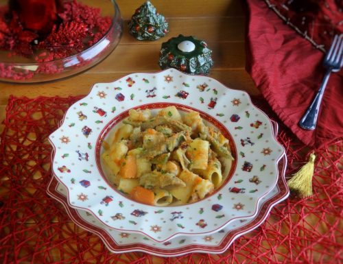 Maccheroncini con carciofi zucca e gamberetti