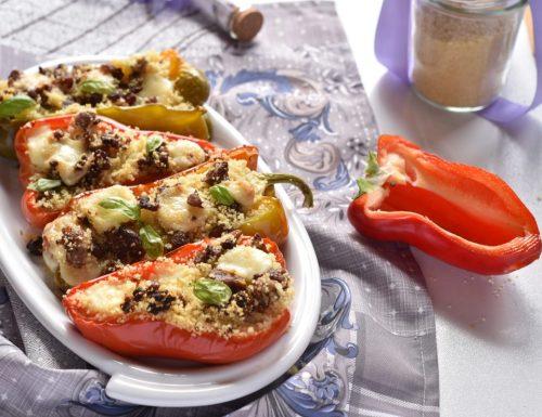 Peperoni ripieni con cous cous salsiccia e provolone piccante
