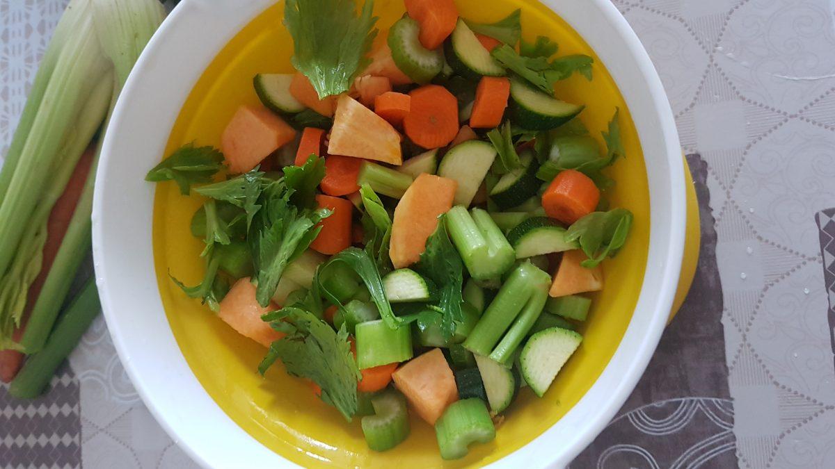 dado vegetale fatto in casa con verdure lesse