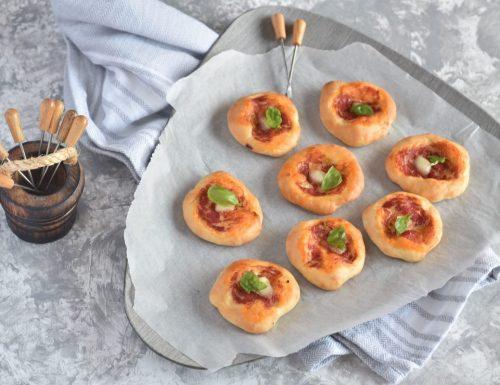 Pizzette morbide da buffet o aperitivo anche con Bimby