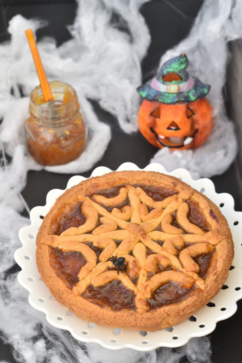 crostata ragnatela per halloween con la marmellata