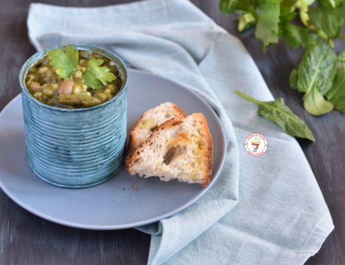 Zuppa di verdure e legumi con orzo